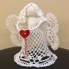 Вязанная игрушка Ангелочек с сердечком